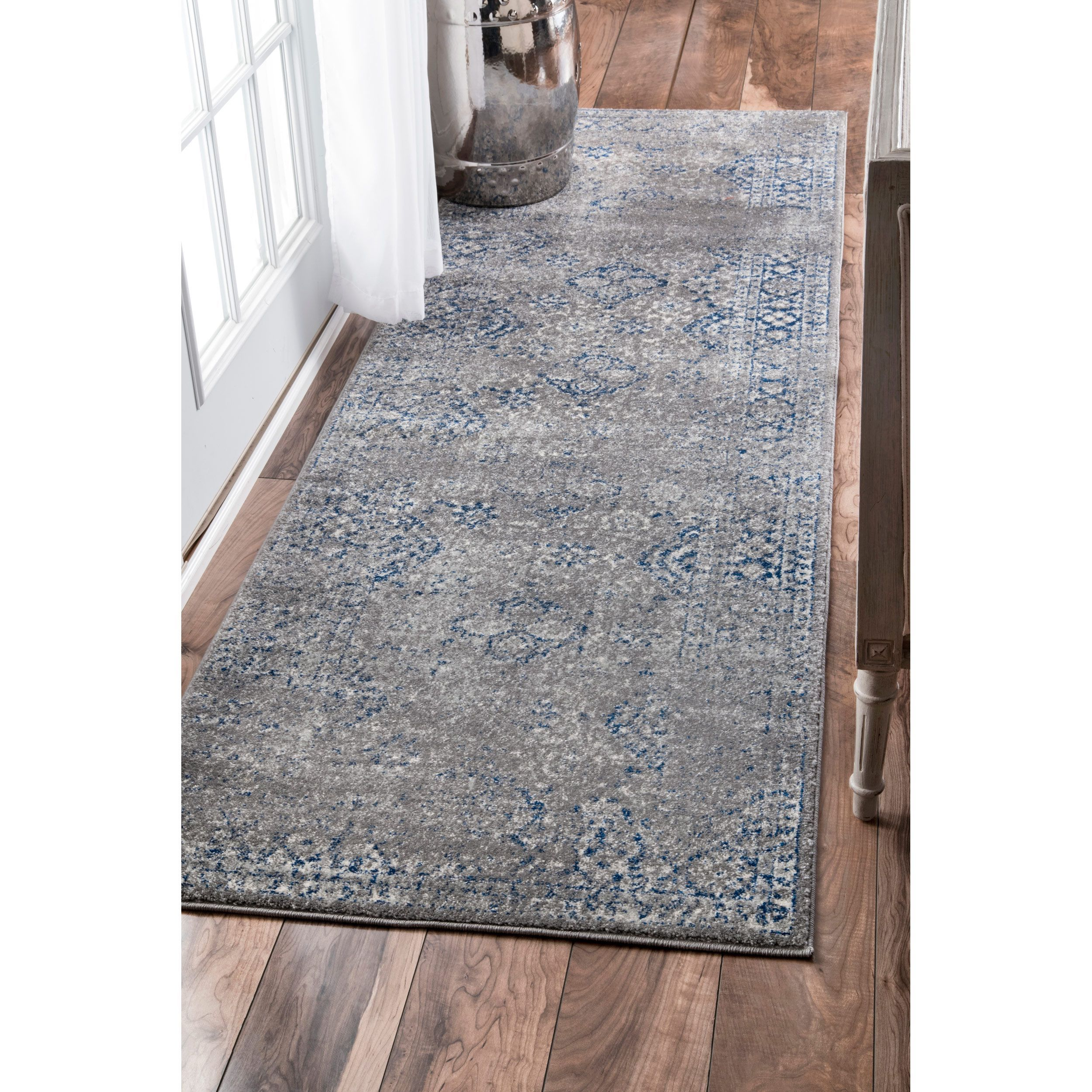 nuLOOM Traditional Distressed Grey Runner Rug 28 x 8
