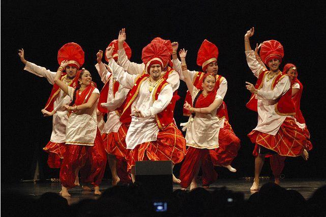 Love To DanceBhangra On Pinterest Dance Dance Class And Folk