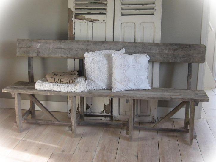 Stoere oud houten eetbankbankzitbanktuinbankklepbank