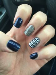 navy blue nails accent
