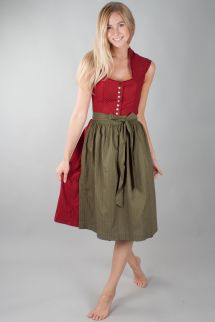 Barefoot German Dirndl