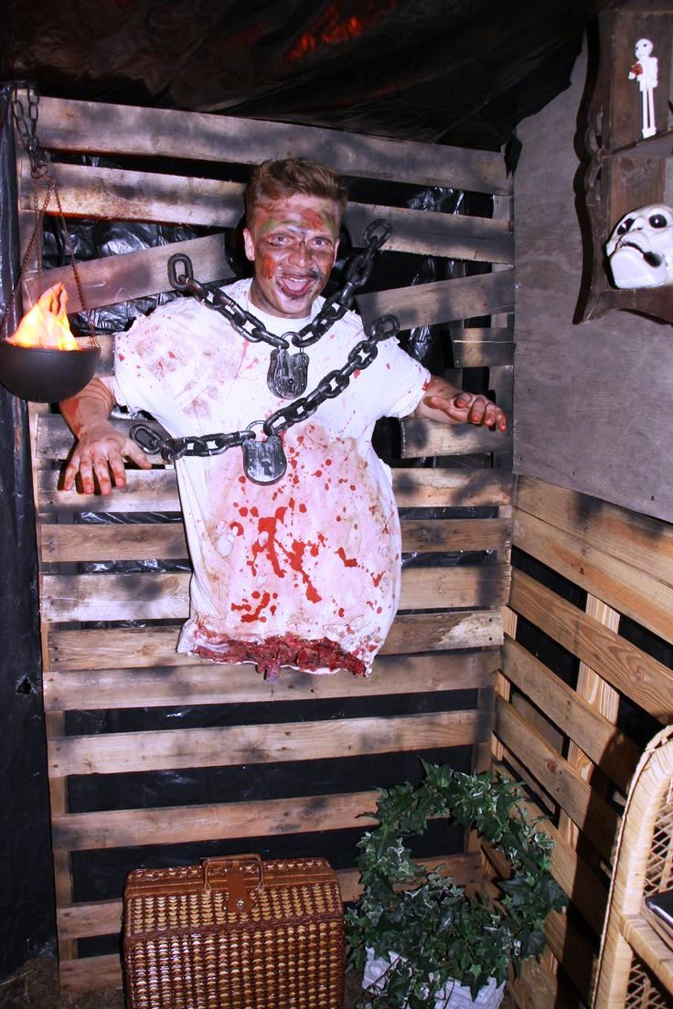 20 Garage Halloween Decorations Ideas Haunted Garage Decoration