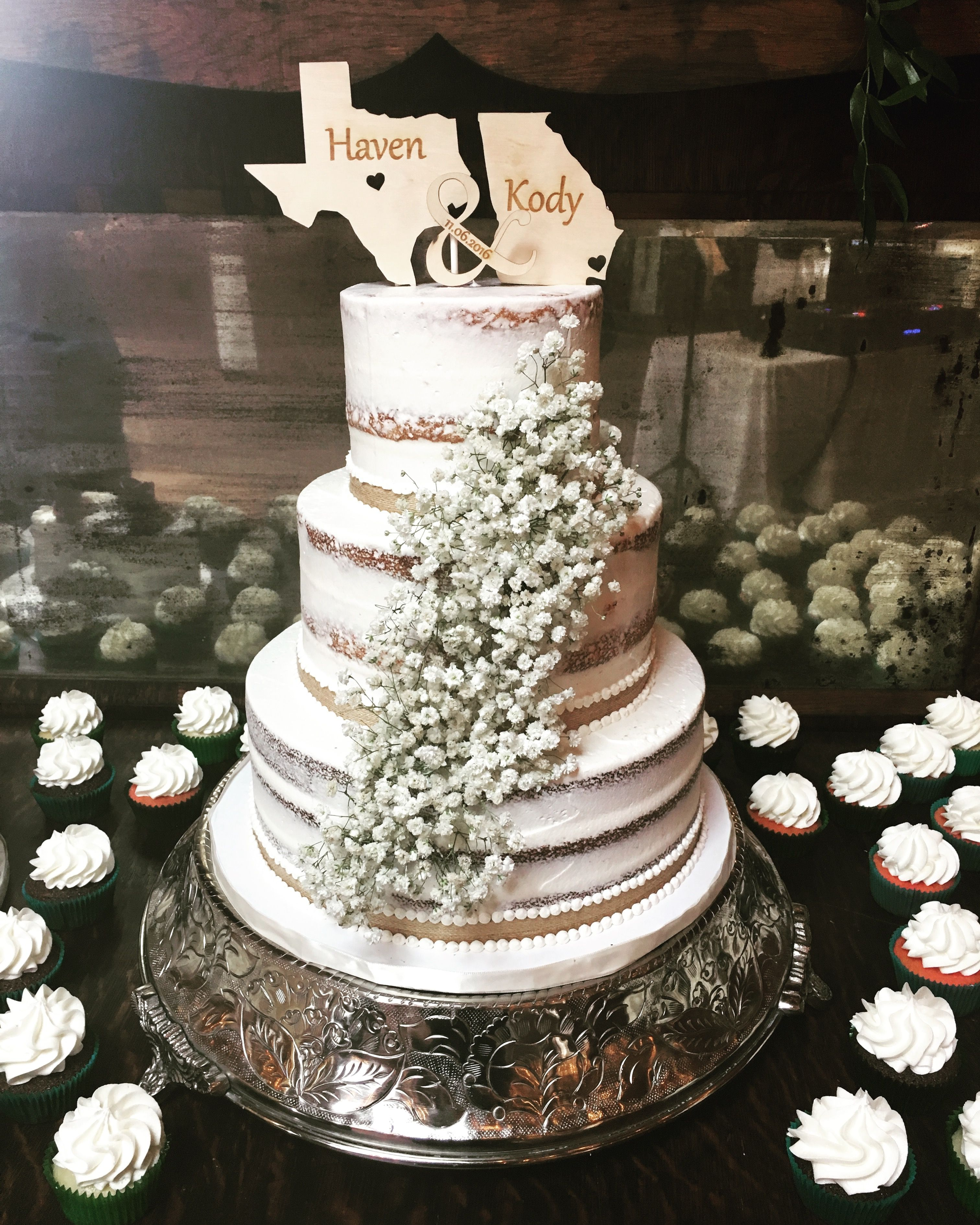 Rustic Wedding Naked Cake With Baby S Breath Cupcake
