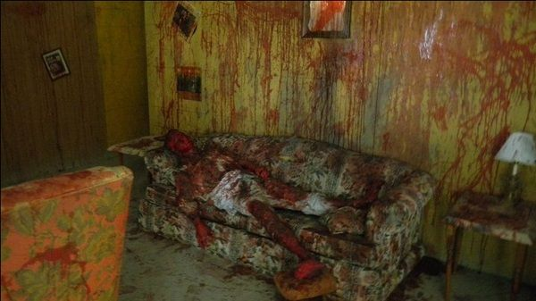 "The ""family Room"" Scary And Creepy Pinterest Haunted Houses"