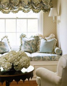 Idea inspiring master bedrooms traditional home  love the window seat and fabric on cushions  pillows also chambre avec fleurs decorate inside pinterest rh