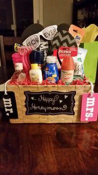 Honeymoon gift basket | gifts | Pinterest | Honeymoon ...