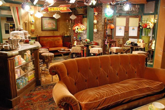 5 Go On The Warner Bros Studio Tour And Sit On The Friends Couch