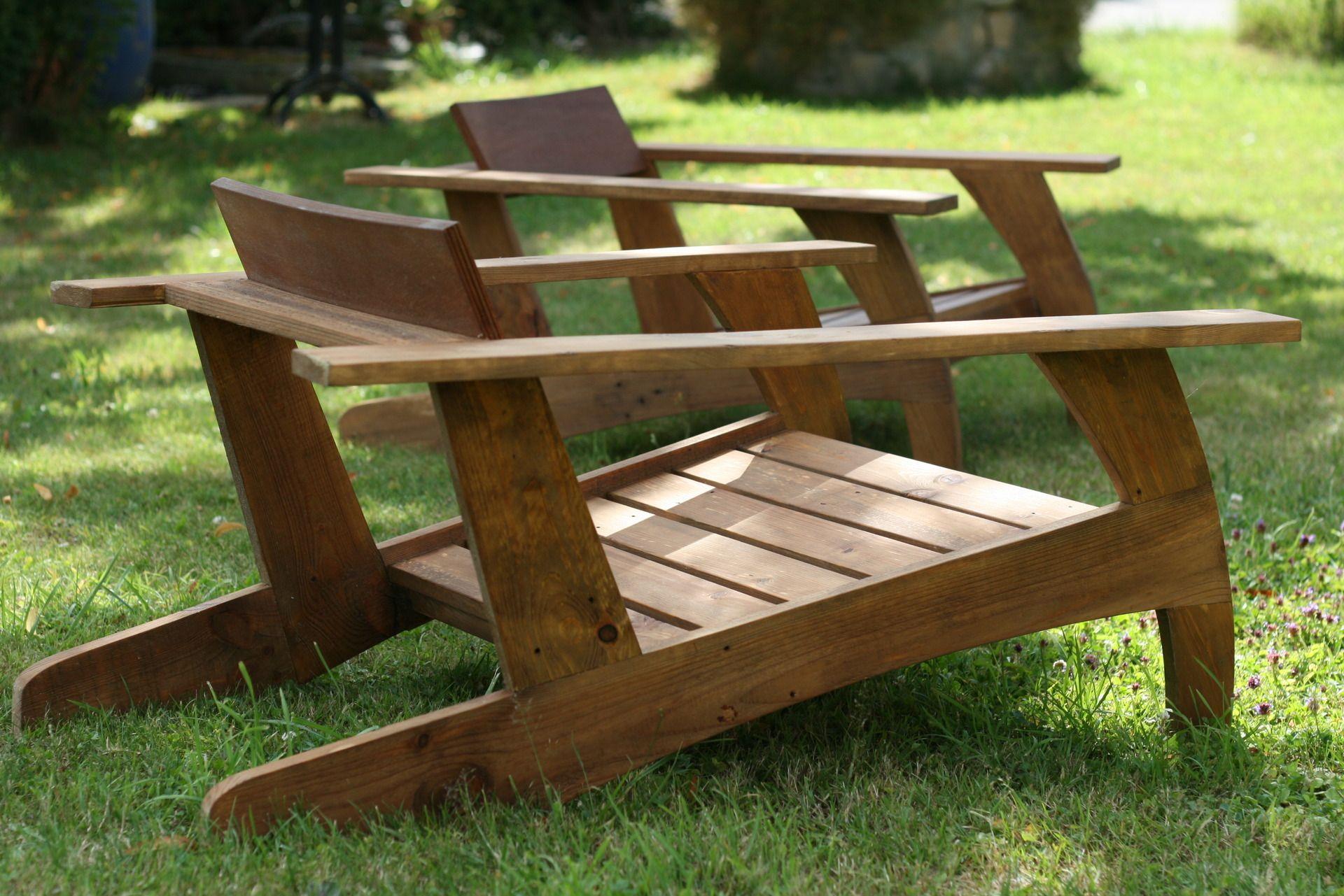 Chaise en bois de palette design annee - Plan chaise de jardin en palette ...