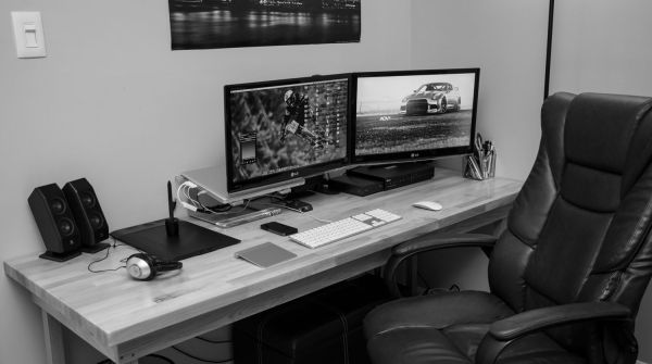 Graphic Web Designer Workstation Home Office Pc Setup And Spaces