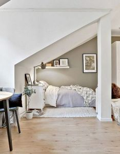 great way to decorate small room rooftop apartment also ideas for well appointed bedroom rh pinterest