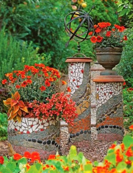 GIY Garden Project These decorative #garden pilasters are made with PVC Pipe – w