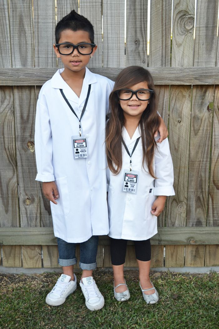 Siblings {Mad Science Birthday Party}