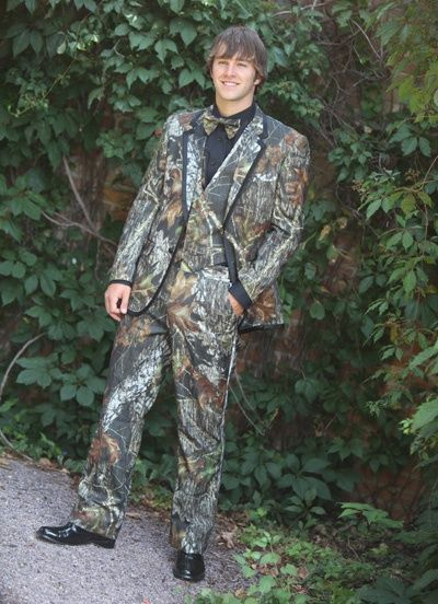 Camo Wedding Cakes Mossy Oak | Mossy Oak Alpine Camo Tuxedo. LMFAO Just Kidding
