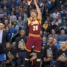 January 16, 2017; Oakland, CA, USA; Cleveland Cavaliers guard Kyle Korver (26) shoots the basketball against the Golden State Warriors during the first quarter at Oracle Arena. Mandatory Credit: Kyle Terada-USA TODAY Sports