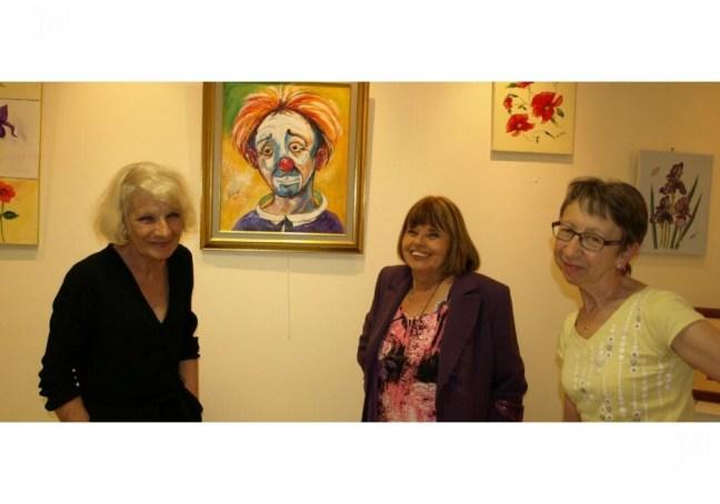 Viviane Berthaire, Marie-Claude Mugnier et Violette Moiroux étaient à La Buissonnière cette fin de semaine.  Photo Anny HEINZLÉ