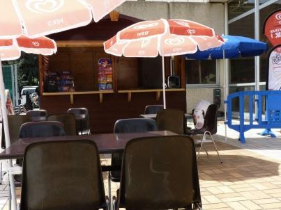 SaintEtienne  Un restaurant  la piscine de la PlaineAchille en octobre