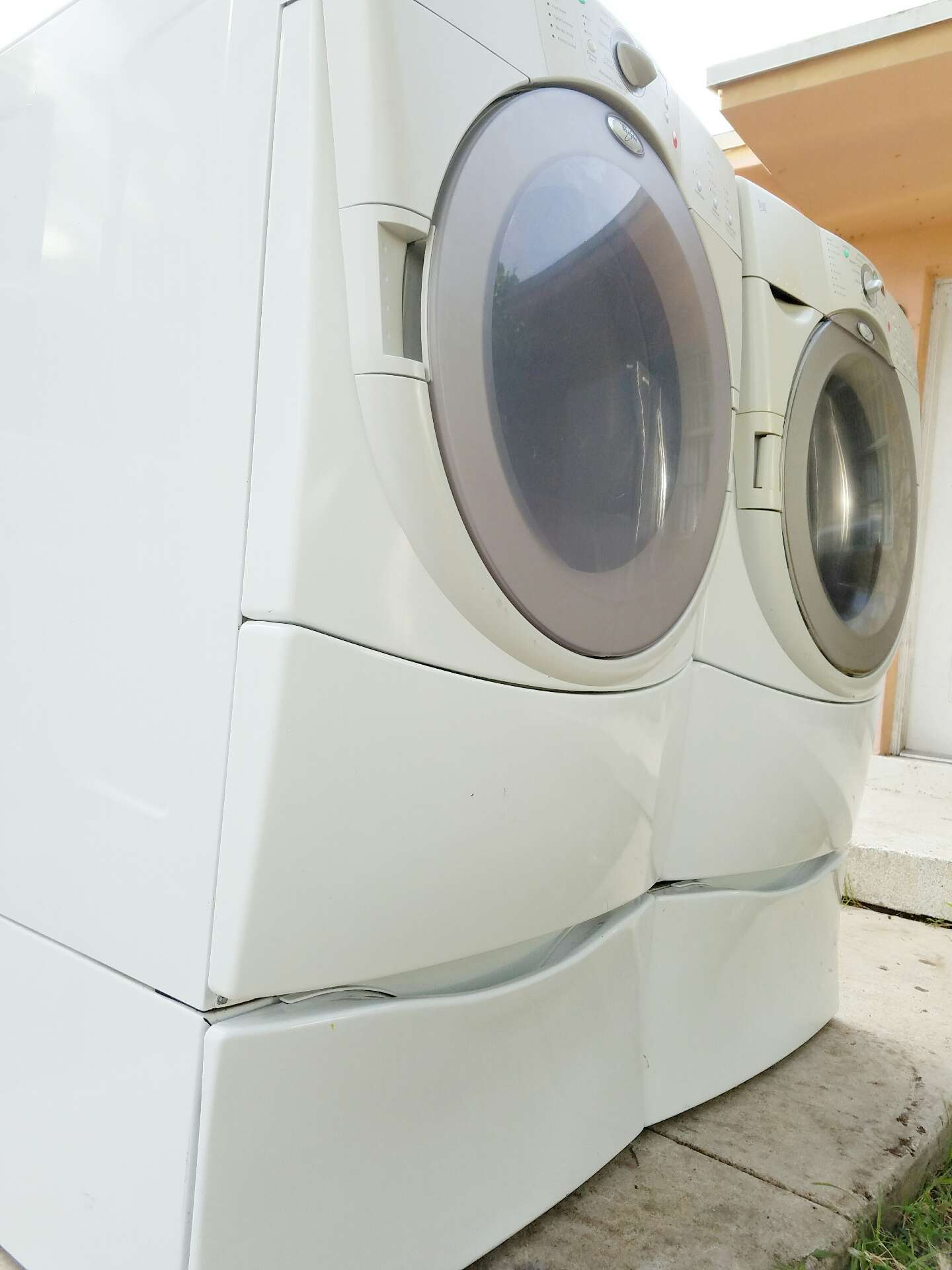 Whirlpool Duet Front Load Washer And Dryer With Pedestals