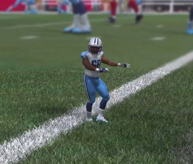 Photo A Glitch In The Madden Nfl 15 Video Game Shows A Tiny Version Of