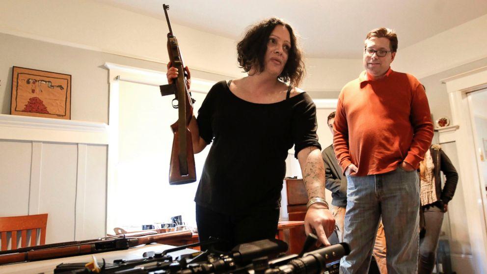 Crazy Girl Wallpaper Gun Club For Liberals The Un Nra Abc News