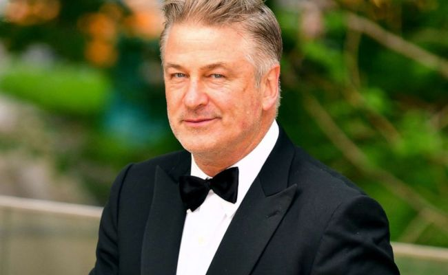 Alec Baldwin Says Maybe He Ll Continue To Play Trump On