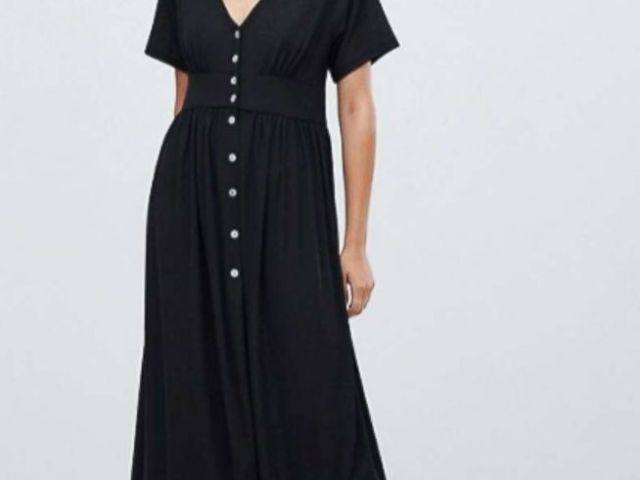 PHOTO: The pull&bear button front midi dress by ASOS is pictured here.