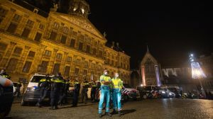 Dutch authorities to quickly start vaccinating medical staff