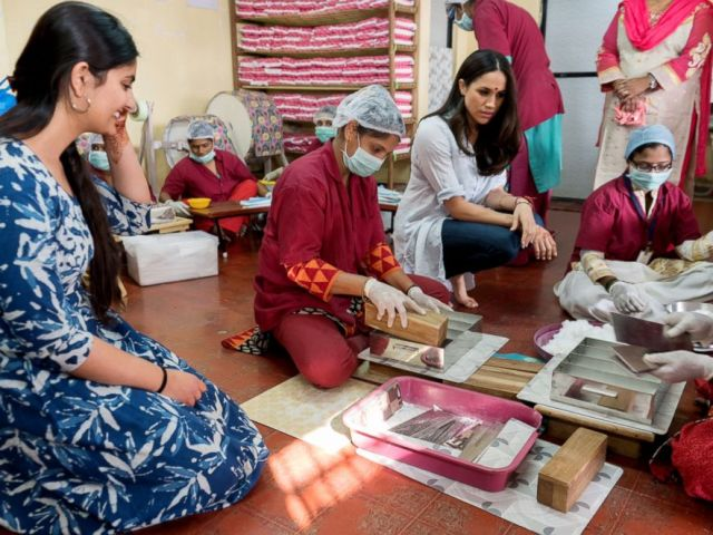 PHOTO: Meghan Markle meets with women in India on a visit with the Myna Mahila Foundation.