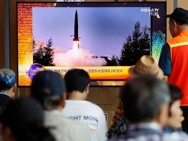 PHOTO: South Korean people watch a breaking news broadcast about North Koreas missile launch at Seoul Station in Seoul, South Korea, Aug. 16, 2019.