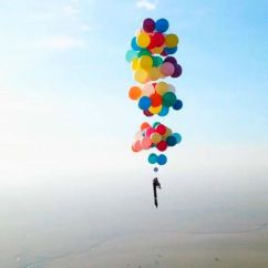 Chair With Balloons Pictures Of Rails In Bathrooms Man Brings Up To Life By Flying Over South Africa Held Tom Morgan 38 Who Flew For More Than 15 Miles Strapped Helium