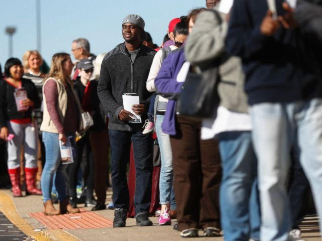 PHOTO: Voters in Columbus, Ohio on Nov. 7, 2016.