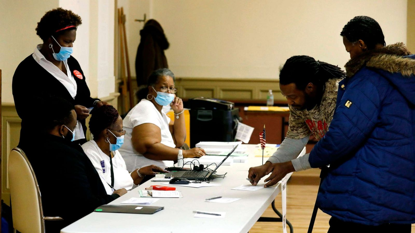 Coronavirus and the 2020 campaigns: Candidates experiment with ...