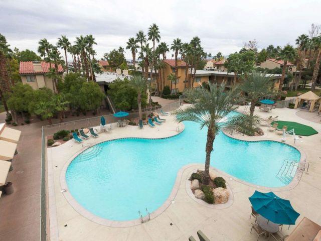PHOTO: Alexis Park All Suite Resort