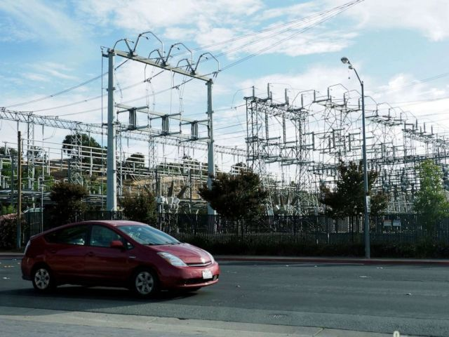 PHOTO: A view of a Pacific Gas & Electric substation in Clayton, Calif., Oct. 8, 2019.