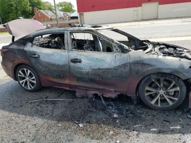 PHOTO:A Detroit womans Samsung phones allegedly exploded inside her Nissan sedan, May 21, 2018.