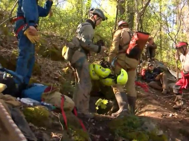 PHOTO: Browse and Rescue for the Attempt of the Virginia Department of Emergency Management to rescue five men from a cave in Cleveland, Virginia, on April 28, 2019.