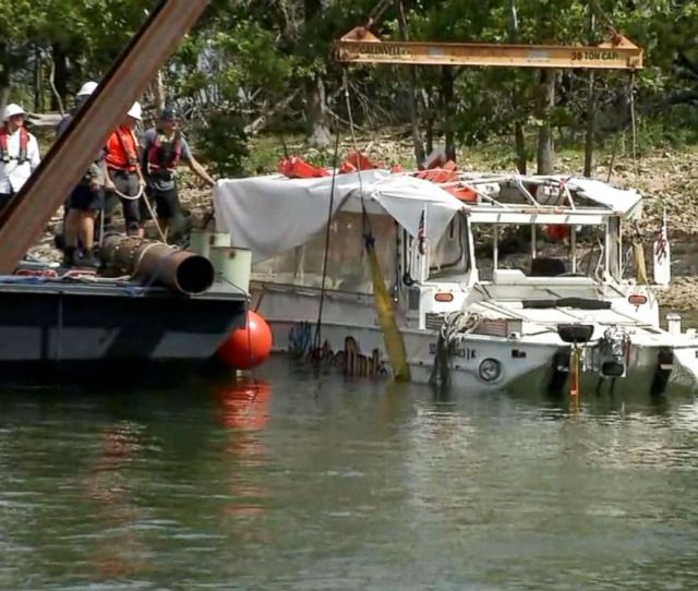 Photo Investigators Raised The Duck Boat July   That Capsized Killing