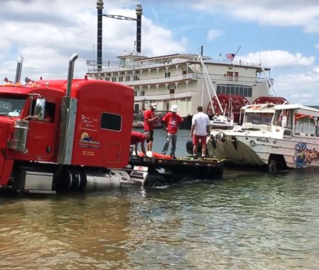 Photo Investigators Remove The Duck Boat On July   From Table Rock