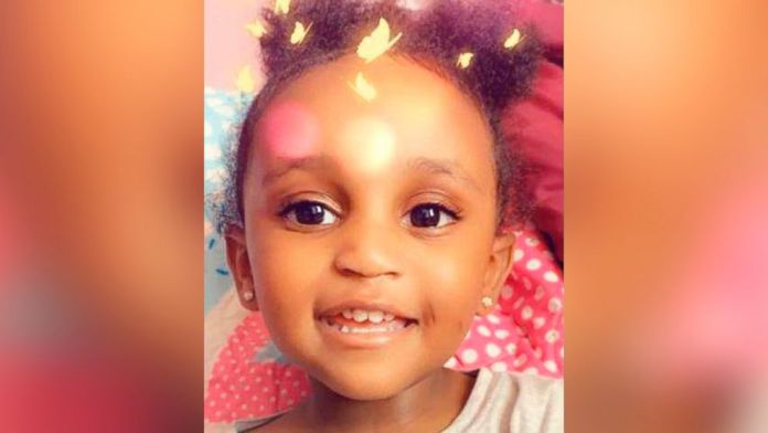 Authorities are looking for missing 2-year-old Noelani Robinson. Noelani was last seen with Dariaz Higgi.