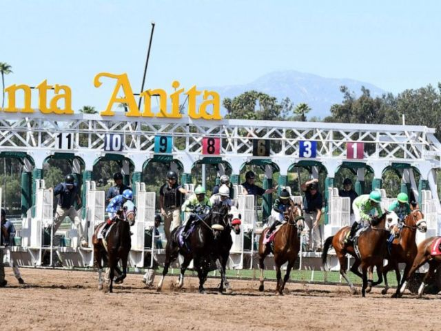 PHOTO: The first race of the day during horse racing at Santa Anita Park, March 29, 2018, in Arcadia, Calif.