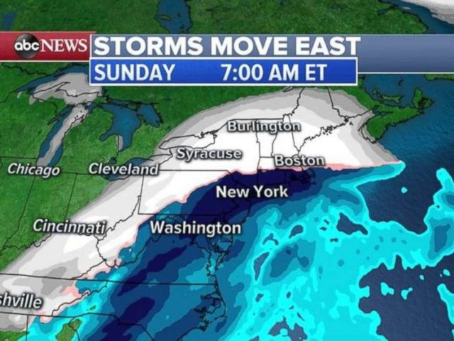 PHOTO: The storm will bring heavy snow inland on Sunday morning, but just a mix of precipitation, turning to rain, along the I-95 corridor.