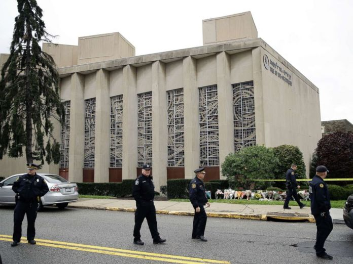 PHOTO: Law enforcement are positioned outside the Tree of Life Synagogue in Pittsburgh, Oct. 28, 2018.