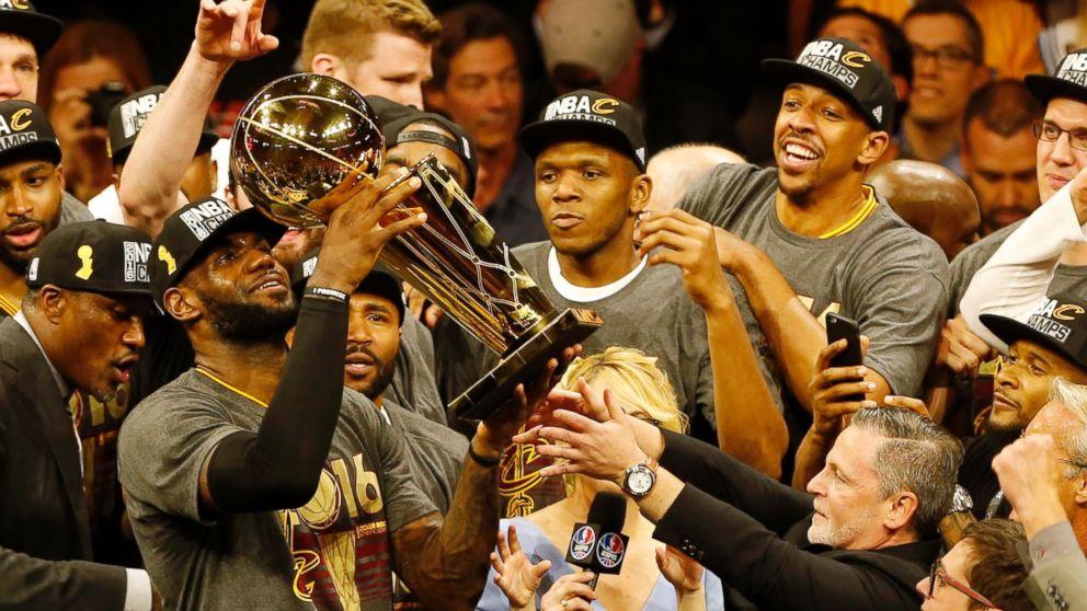 celebrities congratulate cleveland cavaliers