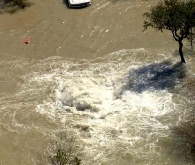 Water Main Break In Houston Floods Major Highway Video Abc News