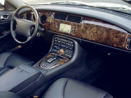 2000 jaguar xk8 base