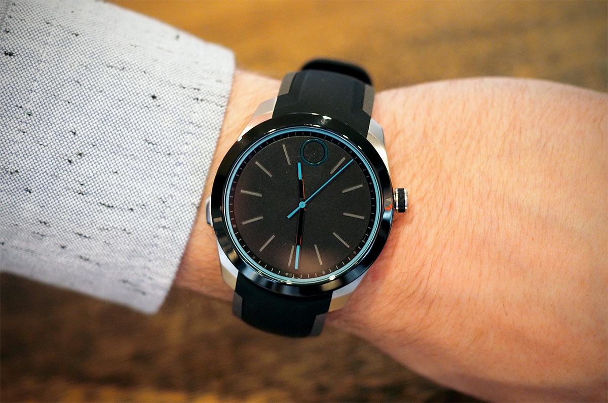 HP 和 Movado 聯手推出了一款設計簡潔的智慧錶
