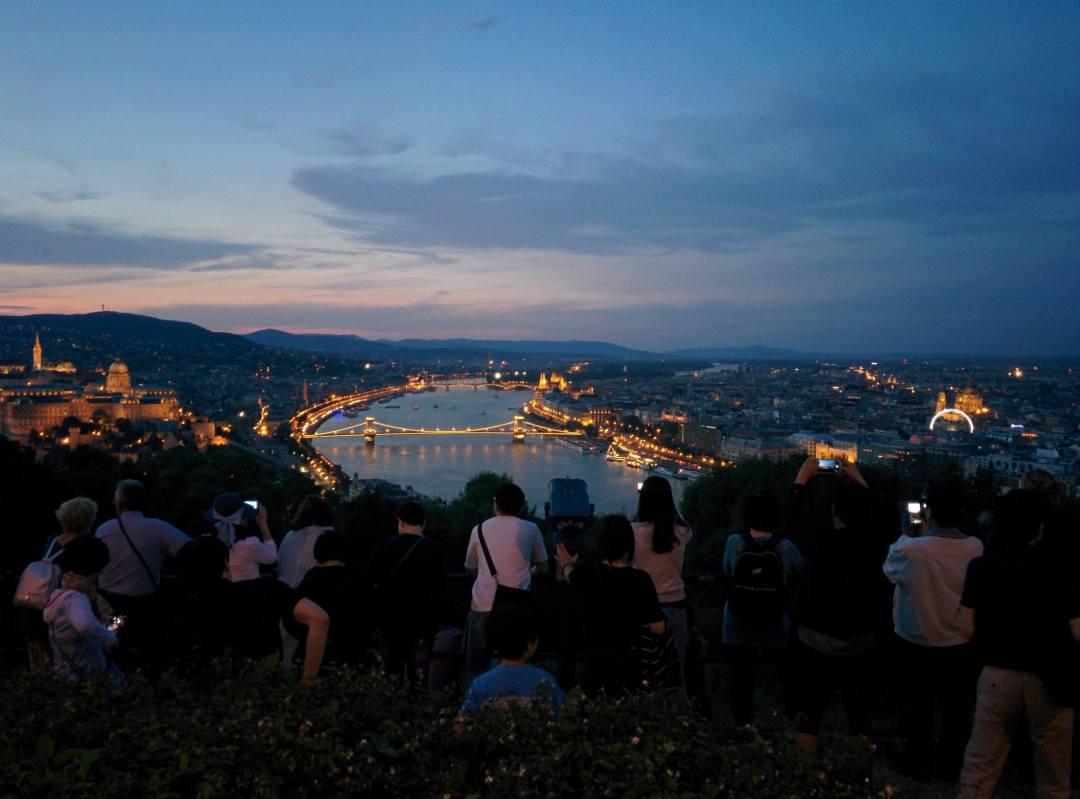 gellért hegyから見えるブダペストの夜景
