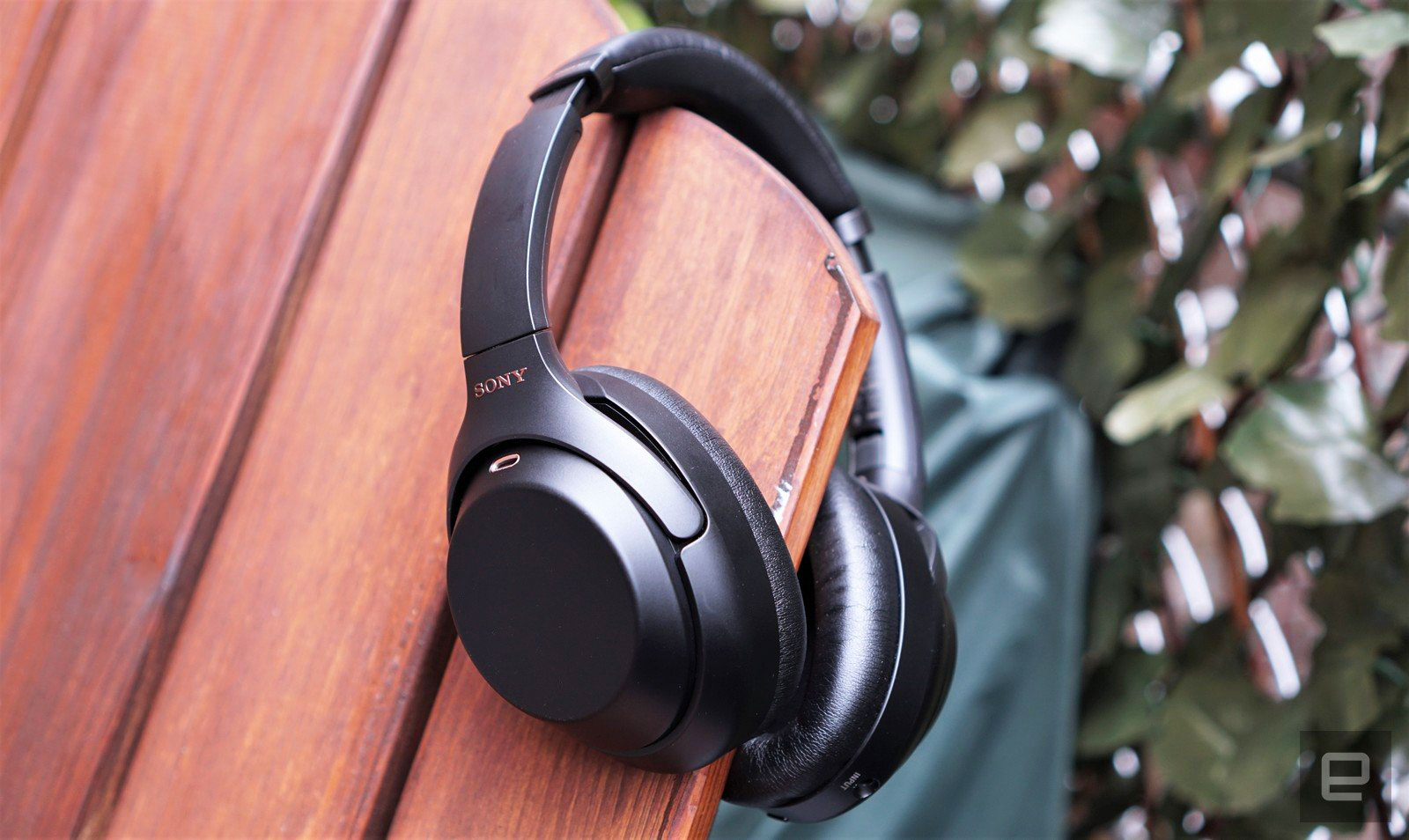 Dream Of Wallpaper Falling Down Sony Wh 1000xm3 Headphones Review Goodbye Bose