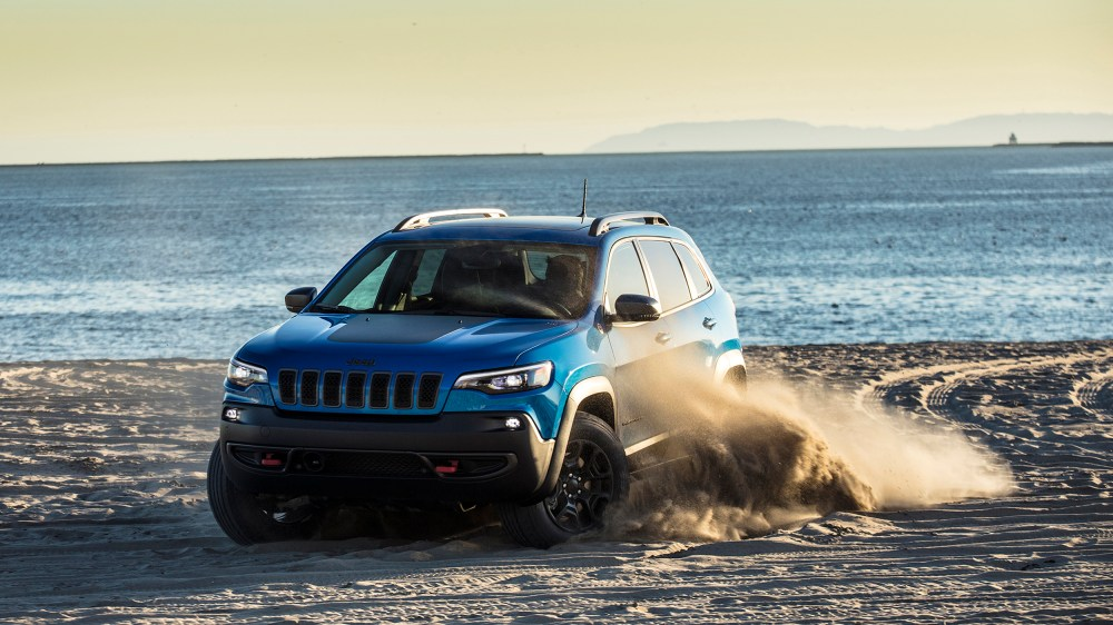 medium resolution of 2019 jeep cherokee is a truck like crossover with advantages off road but issues on road autoblog