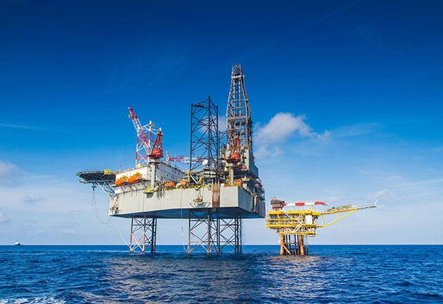 Values related to the oil sector fuel the stock market on Tuesday, April 23. Main catalyst for the sector, the sharp rise in the price of black gold, which returns to its highest since October 2018.