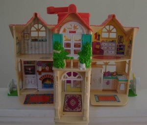 Fisher Price Sweet Streets 75117  Family Home Country